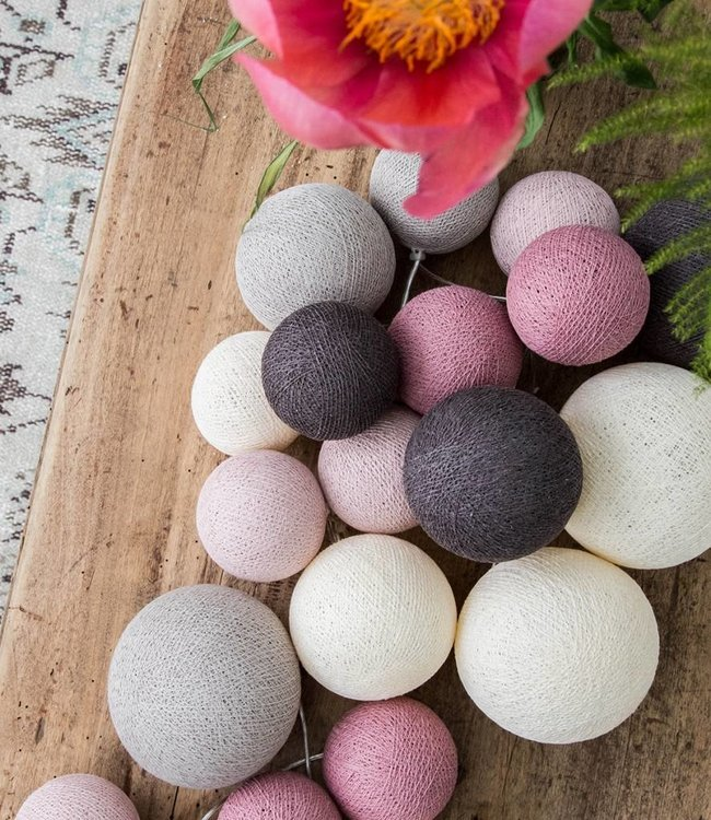 COTTON BALL LIGHTS Premium Lichterkette - Velvet Pinks
