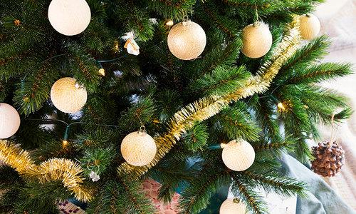 Weihnachts Cotton Balls