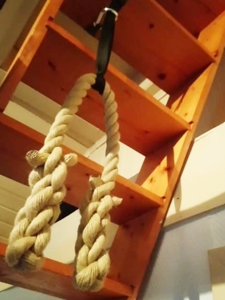 Pull up rope with mounting set