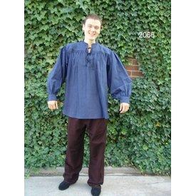 Breites Hemd mit Kragen