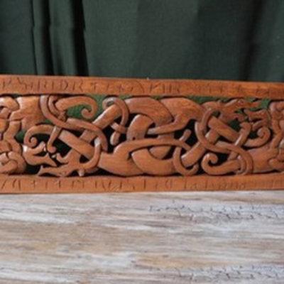Holzschnitzwerk der Wikingerzeit