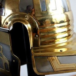 Helme aus der Antike