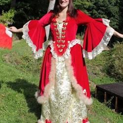 Damenkleidung aus dem 16. - 18. Jahrhundert