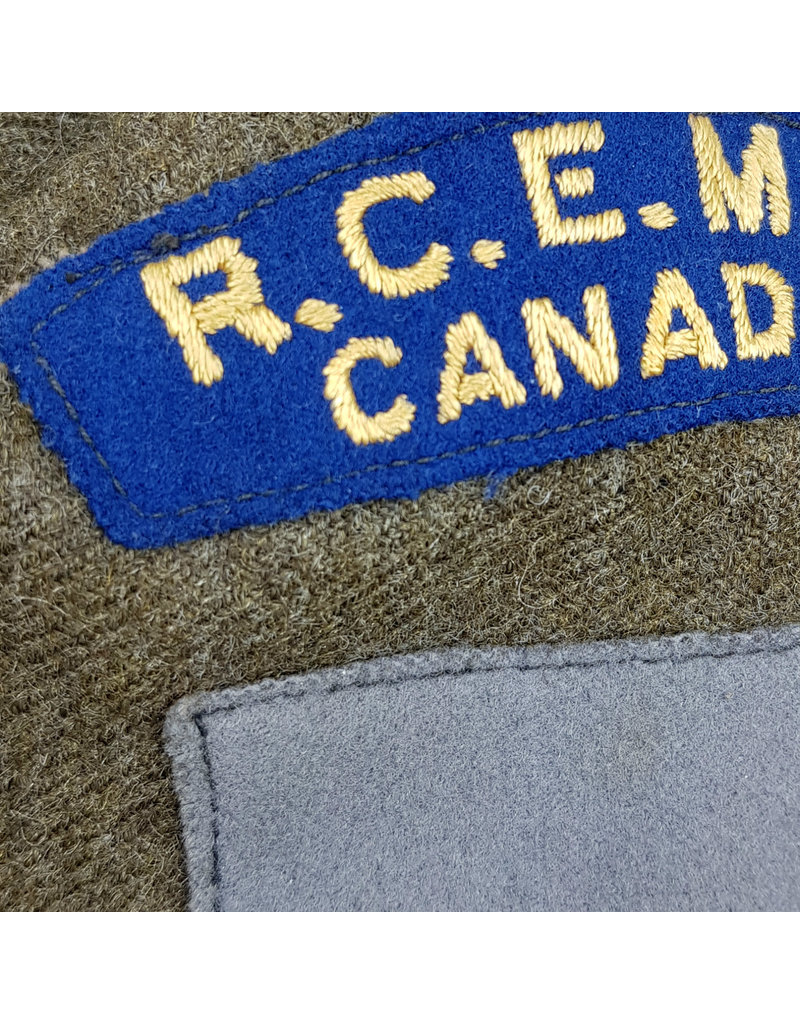 Battledress RCEME - Named to H.E. Schlievert