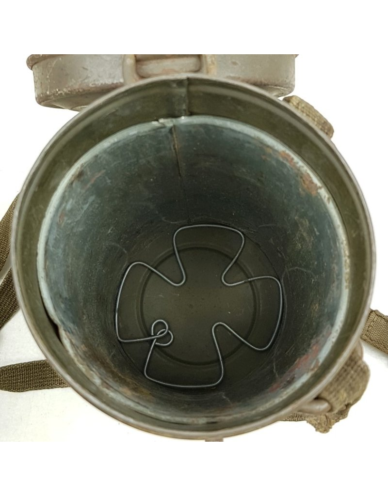 German Gasmask Set with all Straps