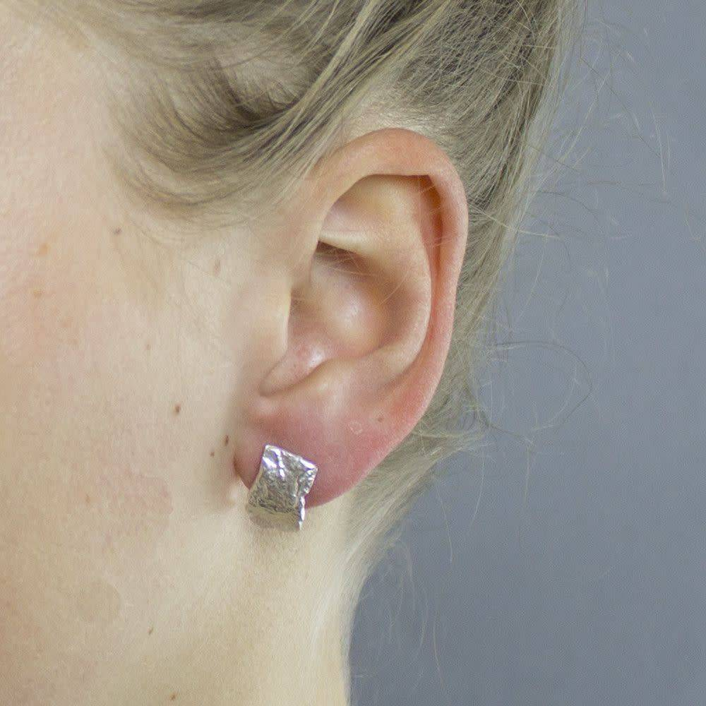 Studs curved with texture-4