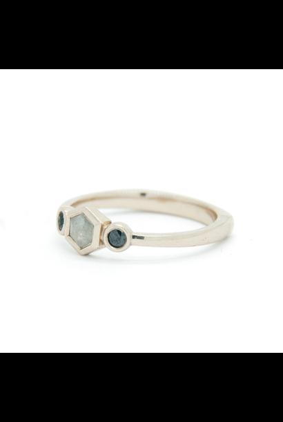 W. de Vaal - 14k White Gold Ring Size 55