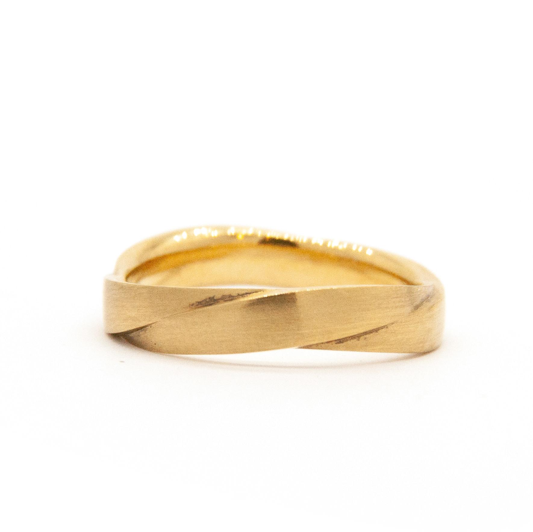14k Yellow Gold Wedding Ring-4