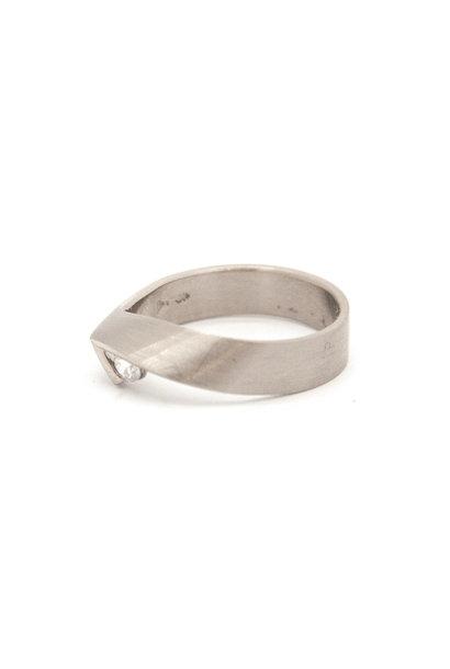 14k white gold ring size 55