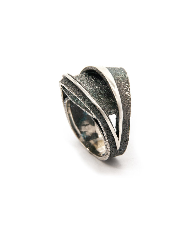 Sideral grey ring