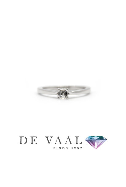 White gold solitary ring 18k. with GIA