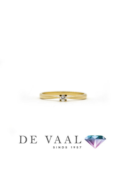 Yellow gold solitary ring 18k.