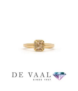 W. de Vaal W. de Vaal - Ring 14krt Roségoud. Maat 52