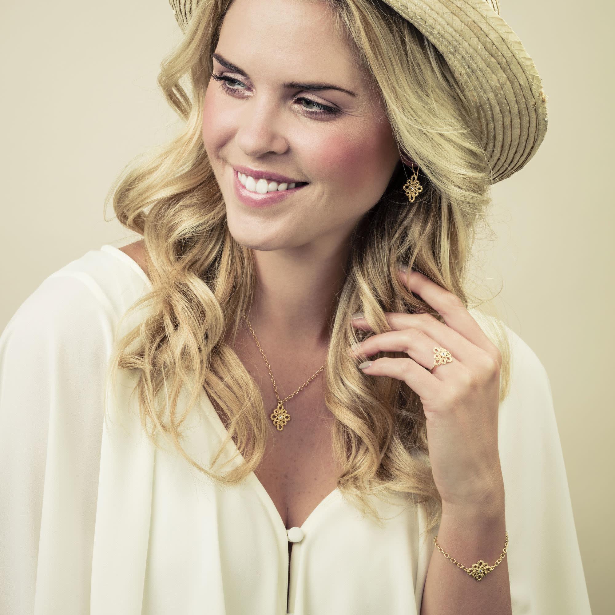 Miss Medea Earrings-4