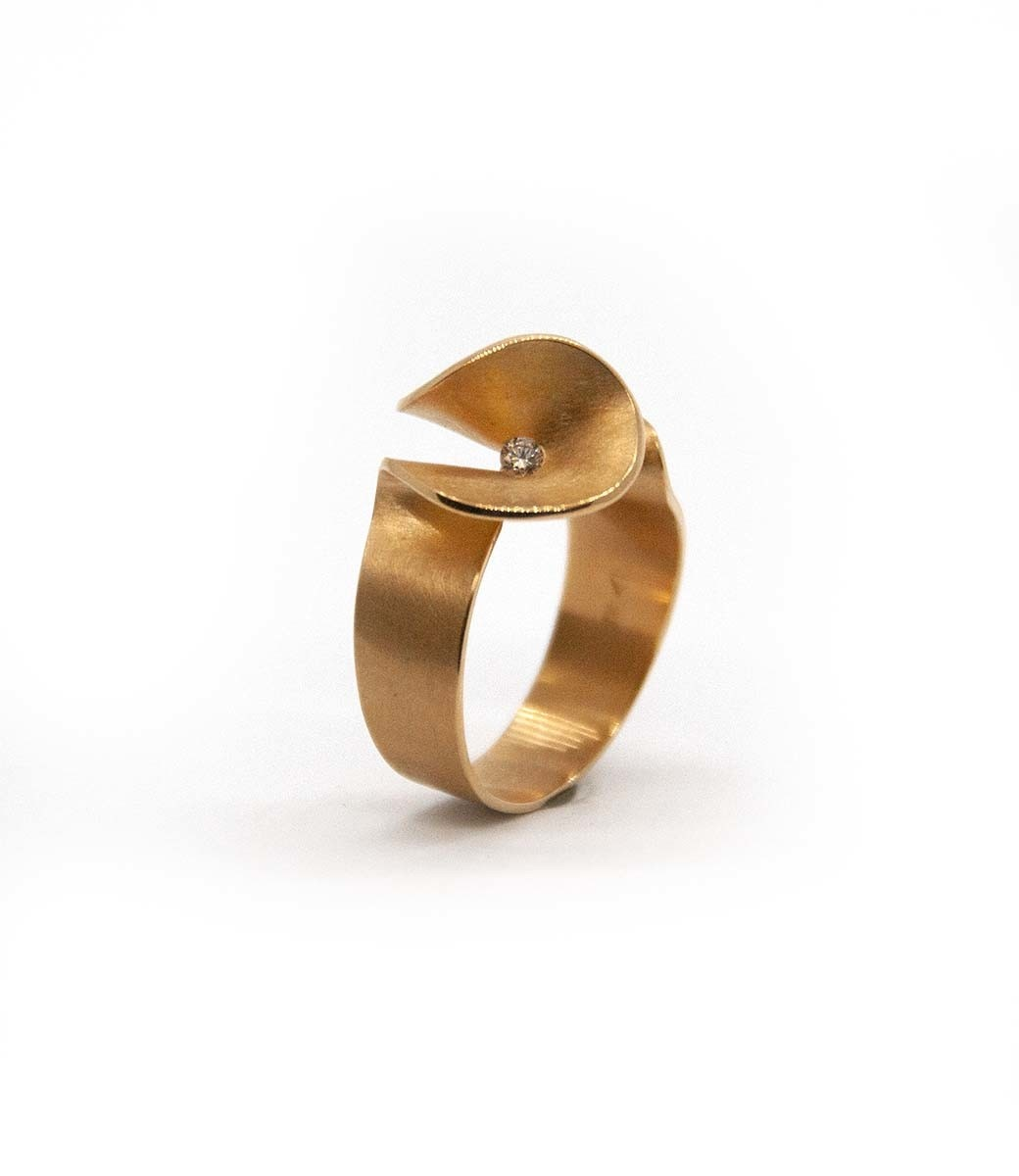 Aster small Ring brilliant 0,07crt-10