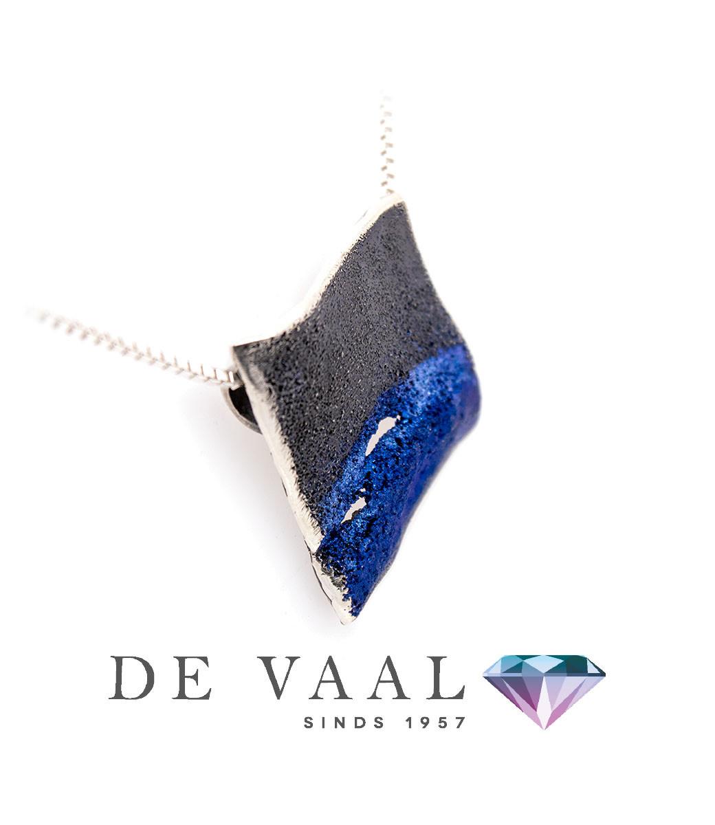 Electric-blue Electric pendant-1