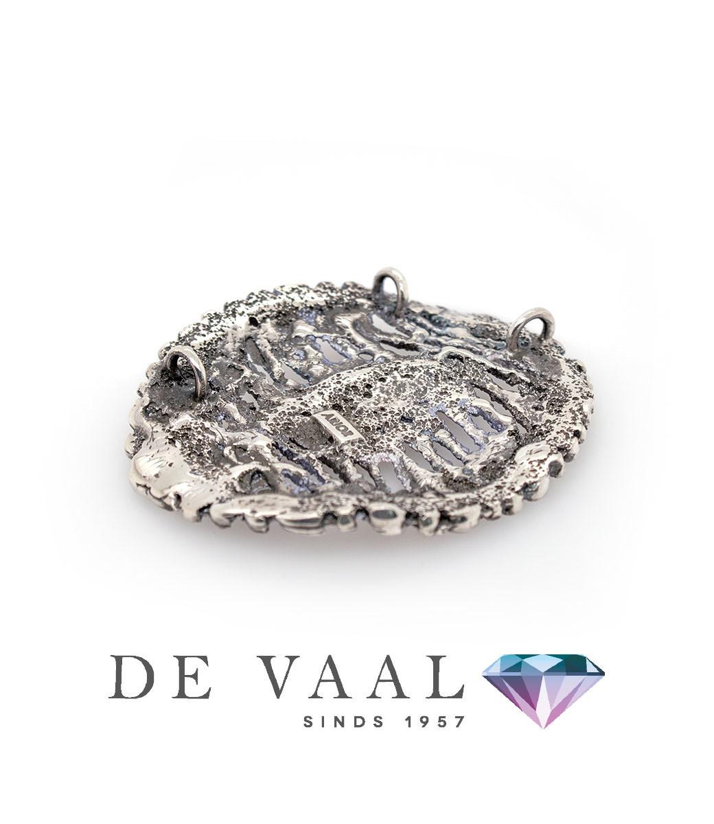 Maia grey pendant-2