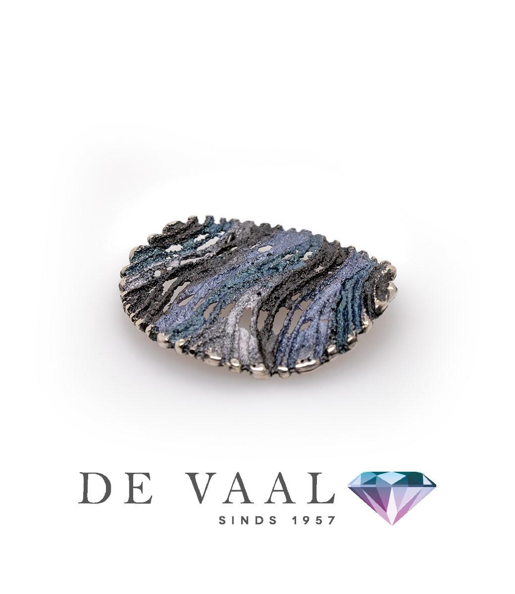 Maia grey pendant-3