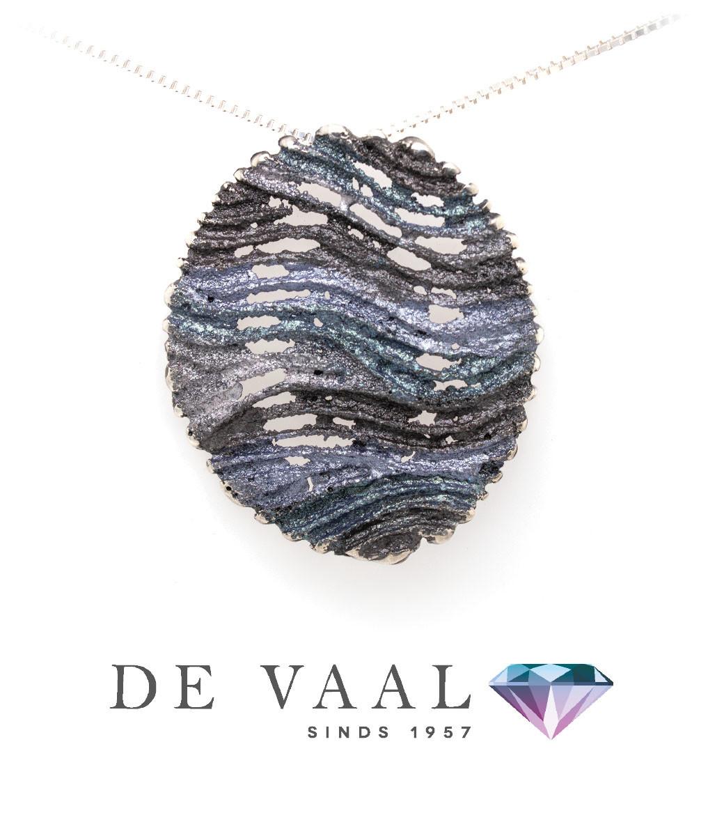 Maia grey pendant-4