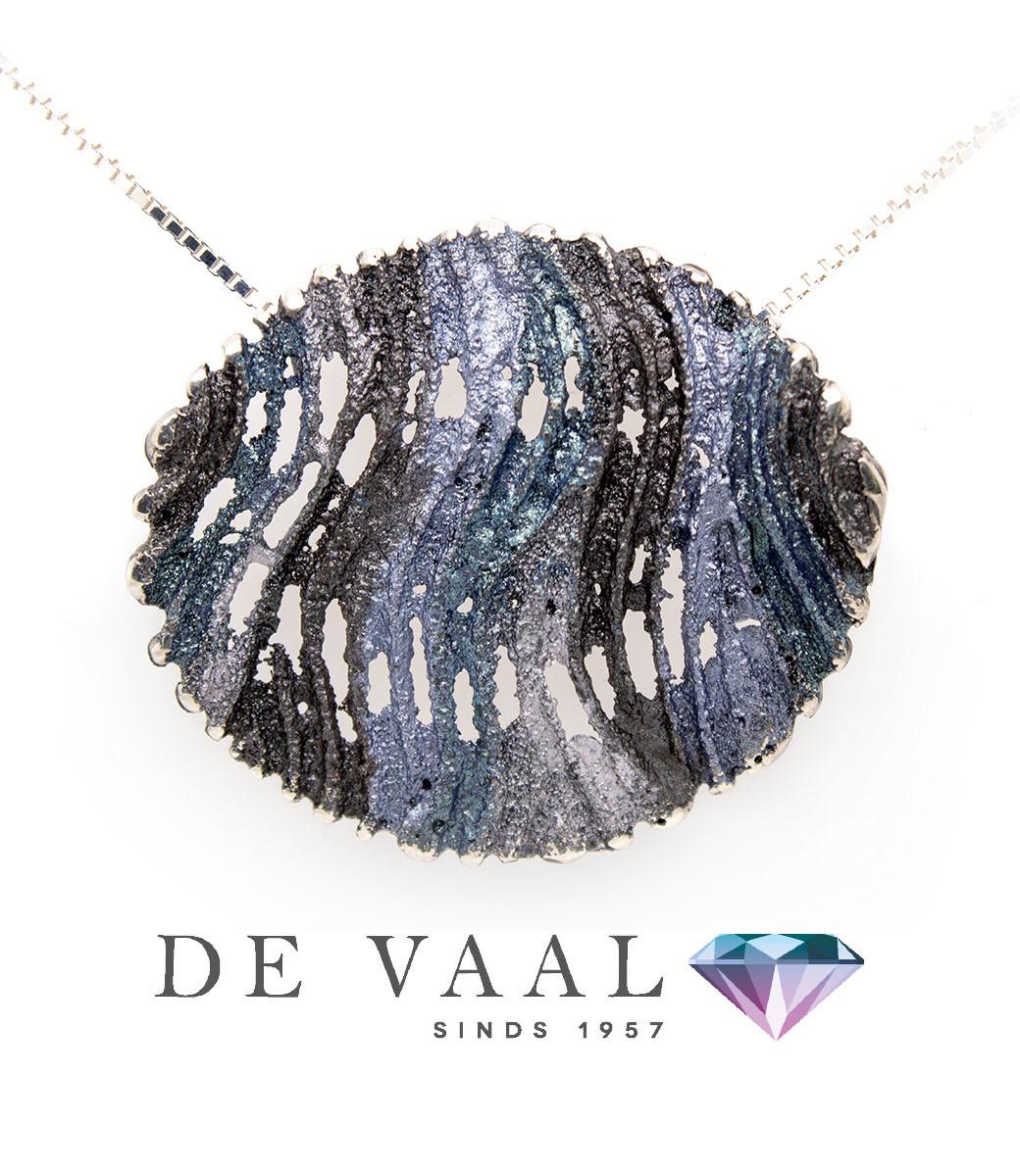 Maia grey pendant-5