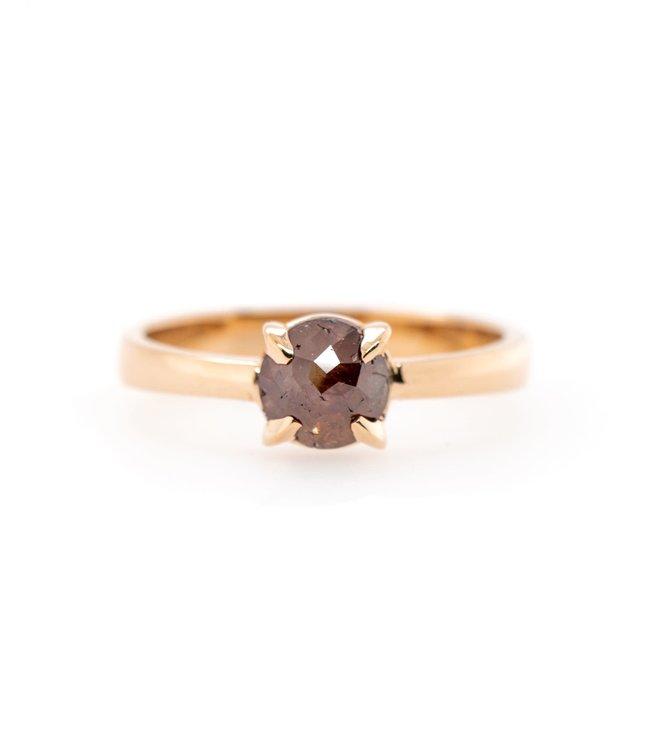 W. de Vaal W. de Vaal - Ring 14krt Roodgoud met Roos diamant.