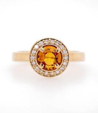 W. de Vaal W. de Vaal - Ring 14krt Geelgoud met Korund & Diamant 0.18crt (3137)