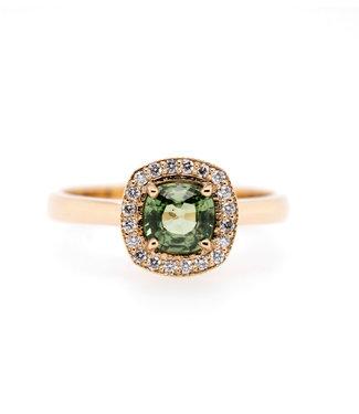 W. de Vaal W. de Vaal - Ring 14krt Geelgoud met Korund & Diamant 0,11crt (3080)