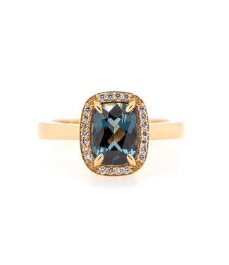 W. de Vaal W. de Vaal - Ring 14krt Geelgoud met Spinel 1,66crt & Diamant 0,11crt (3086)