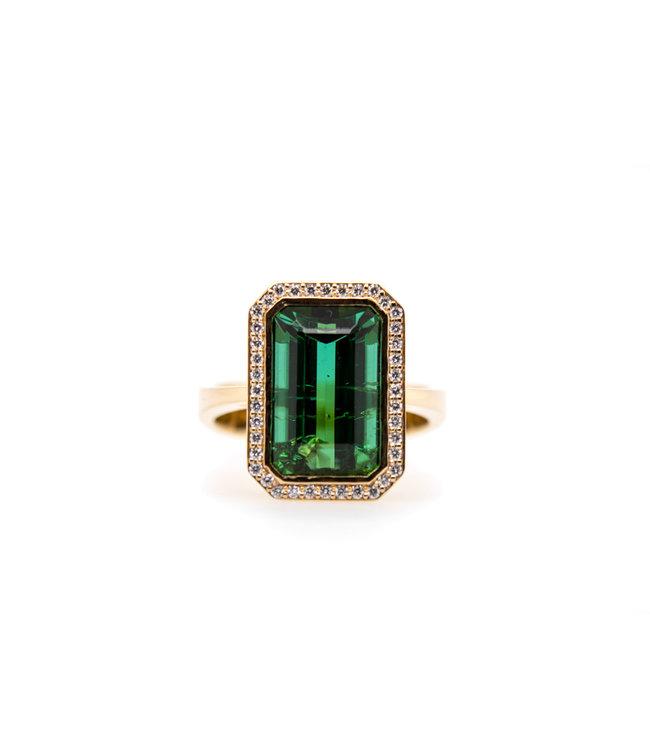 W. de Vaal - Ring 14krt Geelgoud met Toermalijn 6,81crt & Diamant 0,20crt (3030)