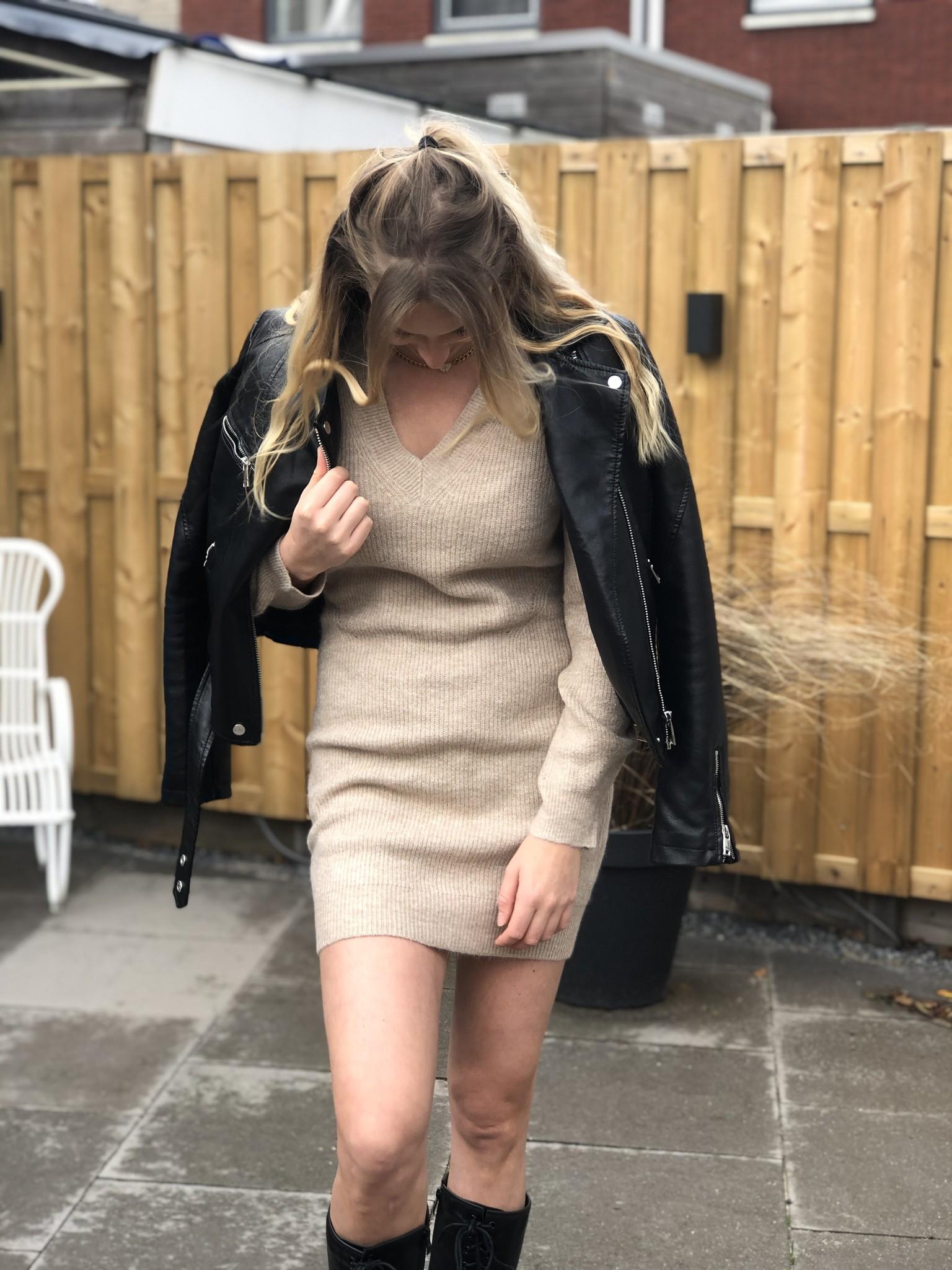 balloon sleeved sweater dress