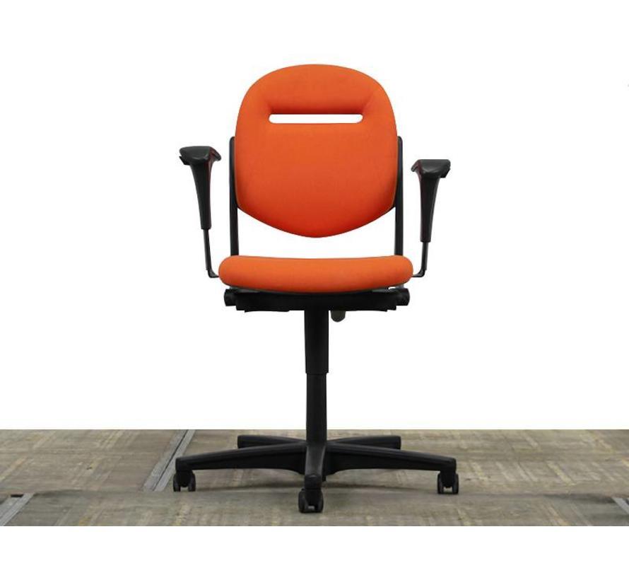 Ahrend 220 Bureaustoel Oranje | Nieuw gestoffeerd