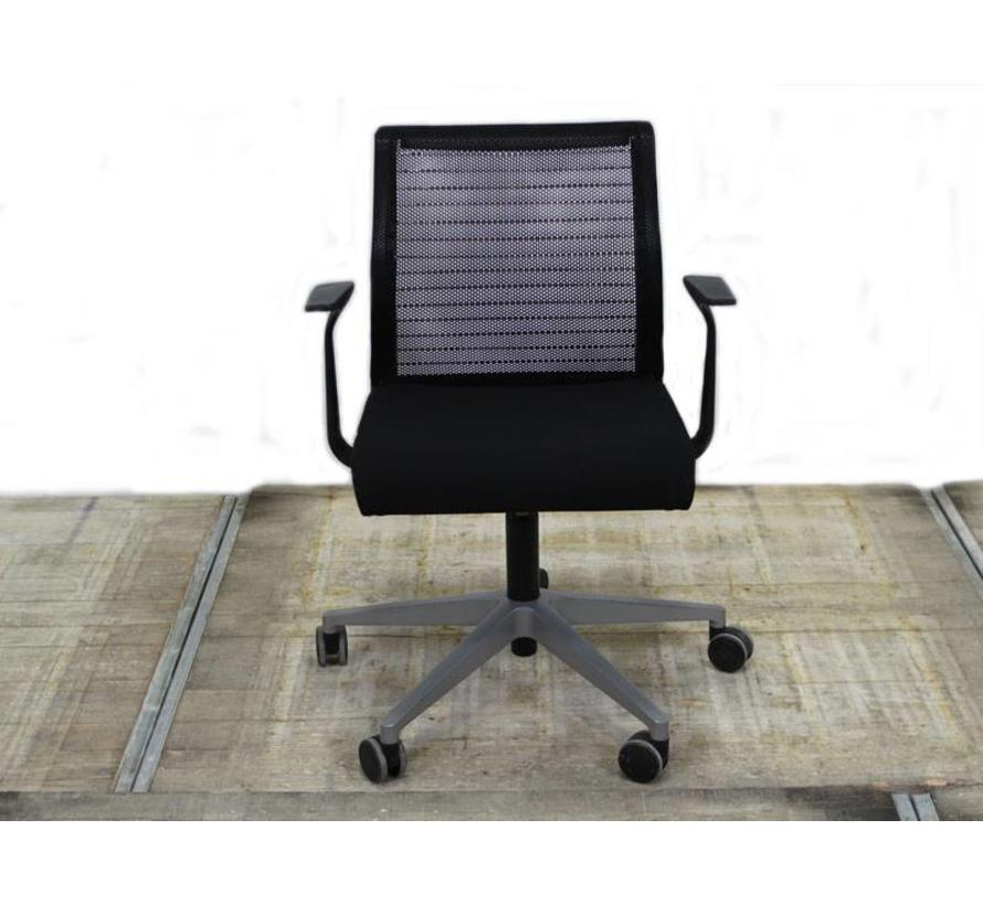 Steelcase Think Stoel -  Aluminium Onderstel - Netweave Rug