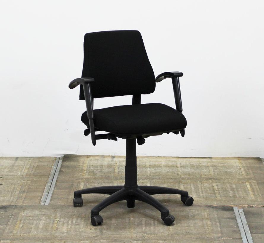 BMA Axia Bureaustoel Zwart | Middelhoge Rug
