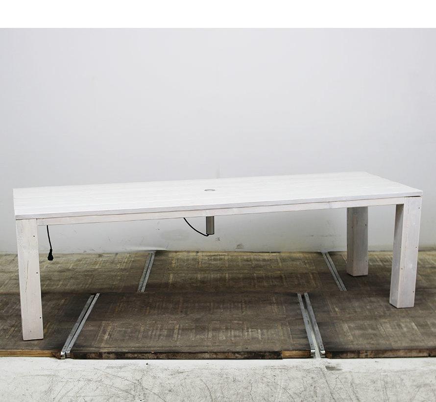 Steigerhout Tafel 250 x 100 cm (met stekkerdoos)