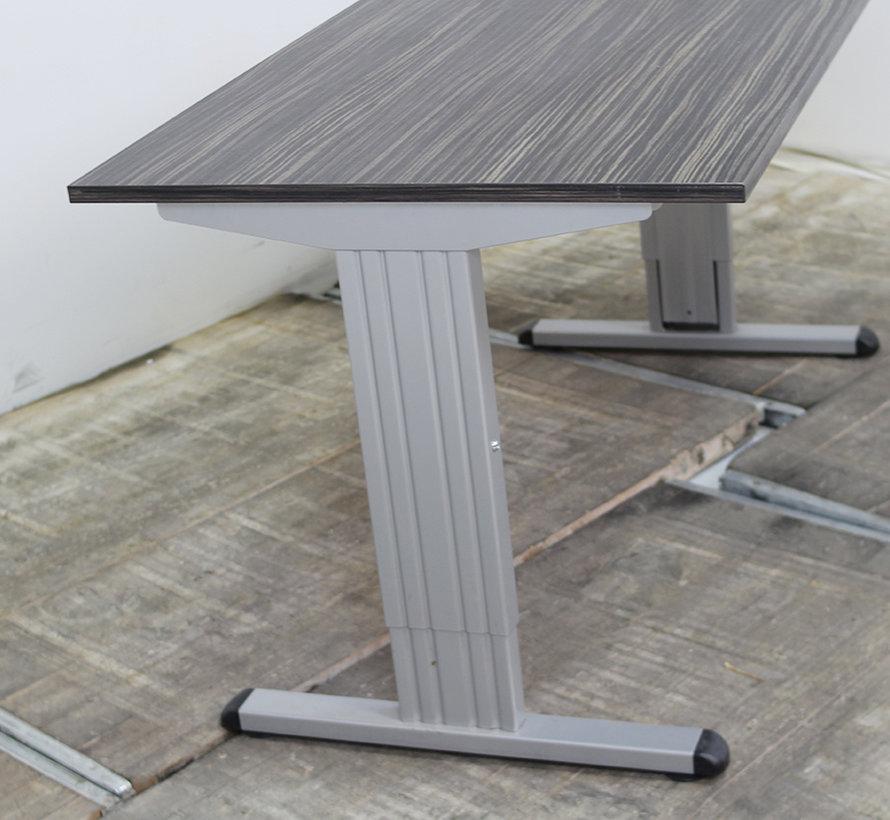 standaard bureau 140 x 80 cm lamers kantoormeubelen. Black Bedroom Furniture Sets. Home Design Ideas