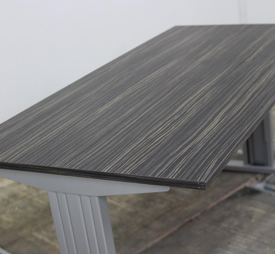 standaard verstelbaar bureau 140 x 80 cm lamers. Black Bedroom Furniture Sets. Home Design Ideas