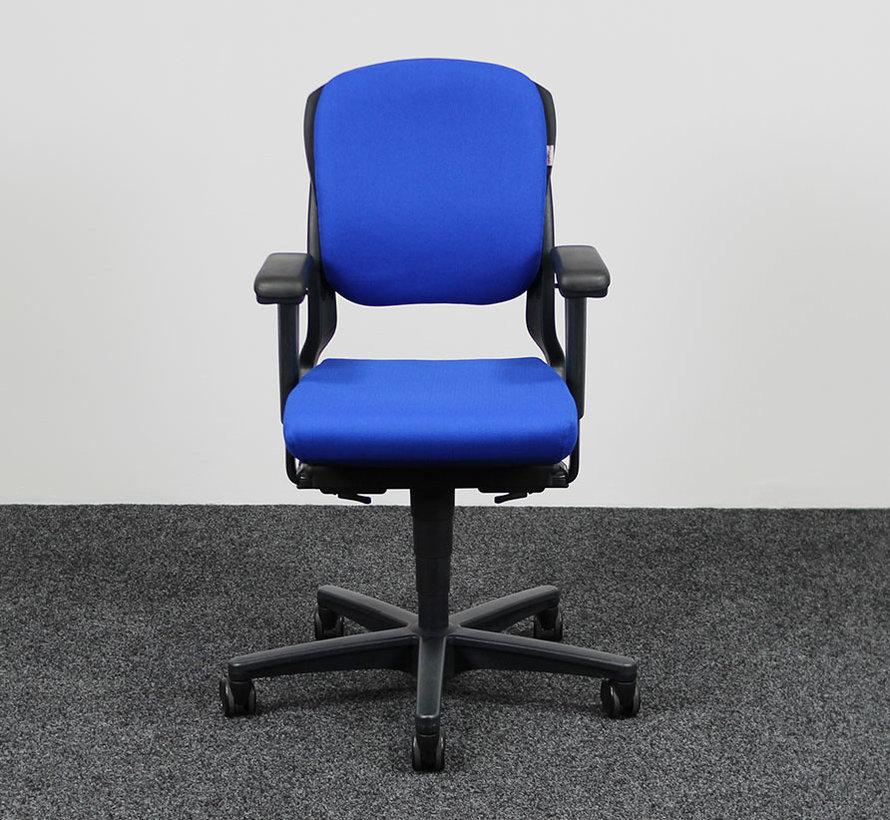 Ahrend 230 Bureaustoel Blauw | Nieuw Gestoffeerd