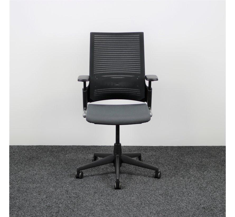 Ahrend 2020 Extraverta Bureaustoel Grijs & Zwart