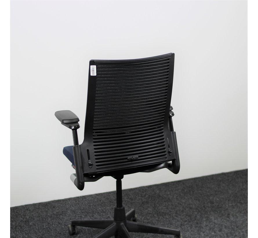 Ahrend 2020 Extraverta Bureaustoel Donkerblauw & Zwart