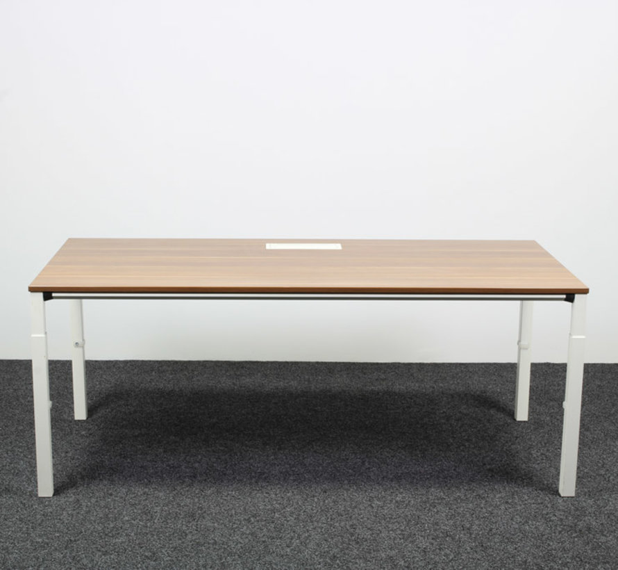Sedus Temptation Four Bureau Donker Notenhout - 180 x 90 cm