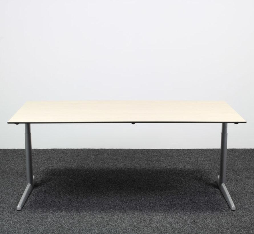 Ahrend 500 Bureau Licht Eiken - 180 x 90 cm