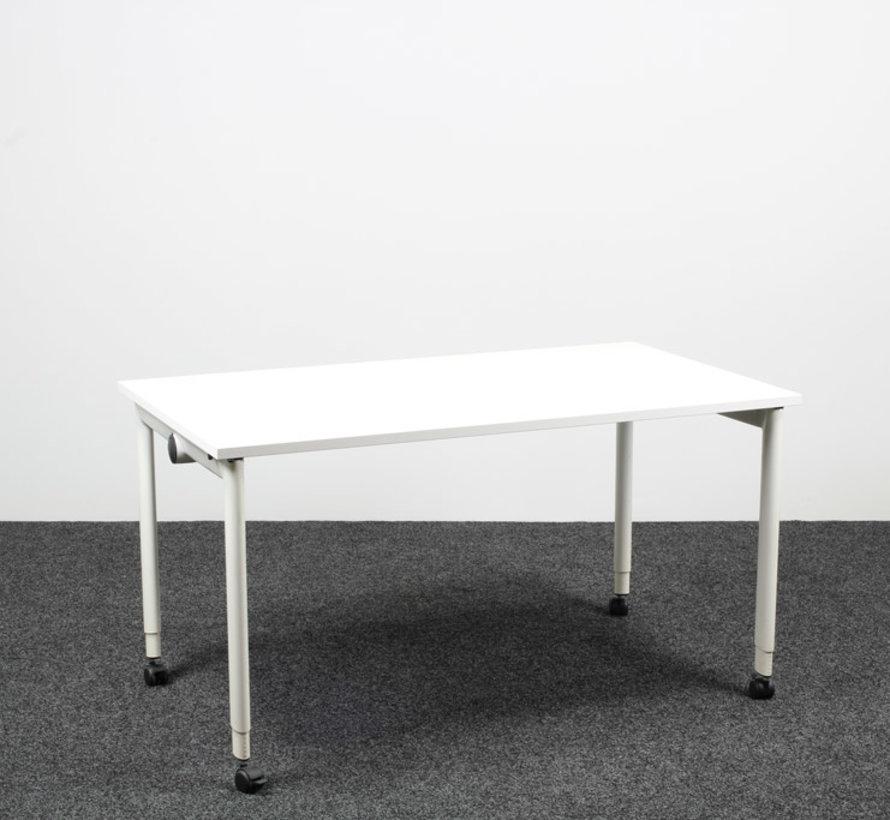Ahrend 500 Kantinetafel Nieuw Wit Blad - 140 x 80 cm
