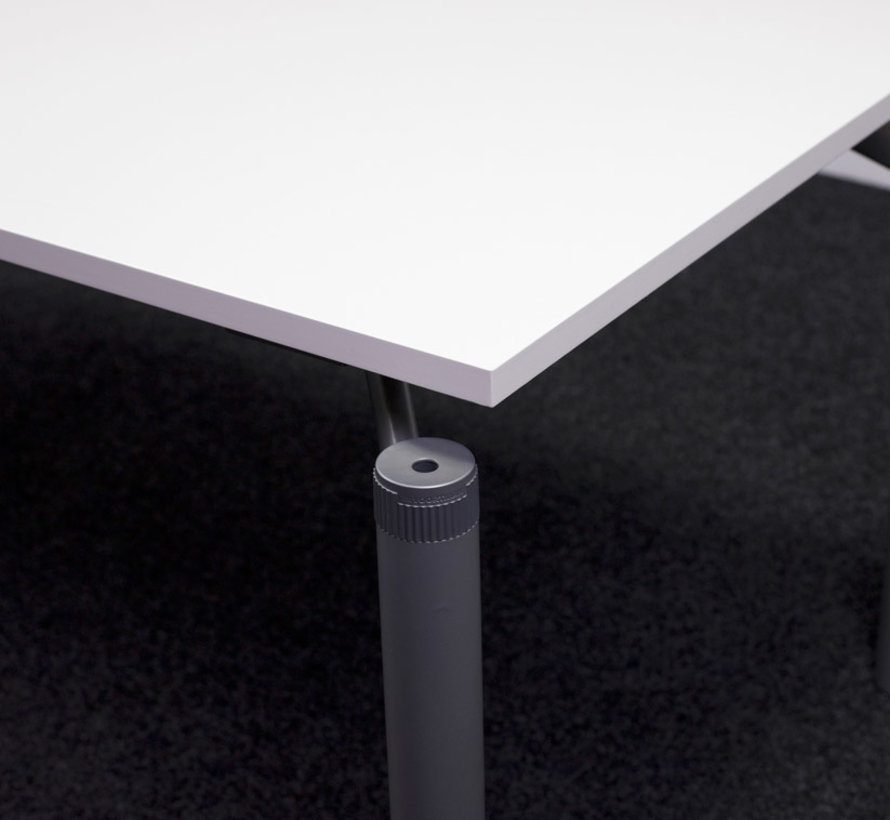 Voortman Verstelbare Bureautafel Nieuw Wit Blad - 180 x 80 cm