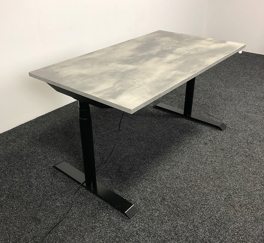 OMT Elektrisch Zit-Sta Bureau 140x80 cm  - Nieuw Betonlook Blad