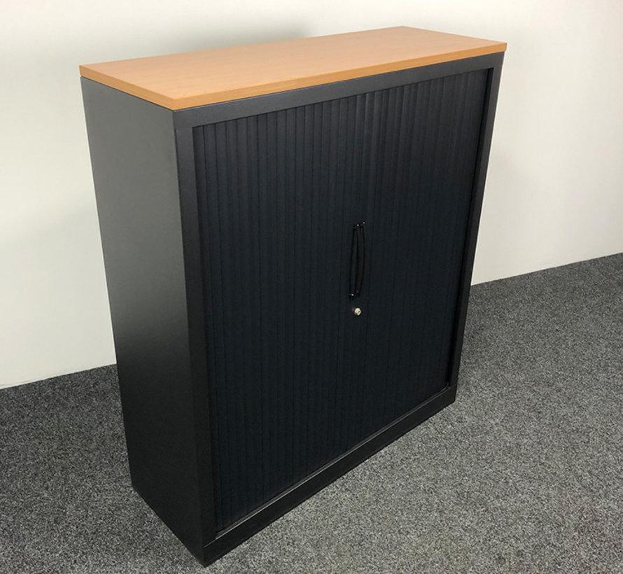 Roldeurkast Zwart   139 x 120 x 43 cm