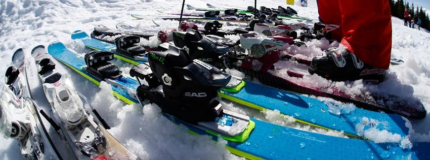 Verhuur van ski's bij Skicentrum Heemskerk