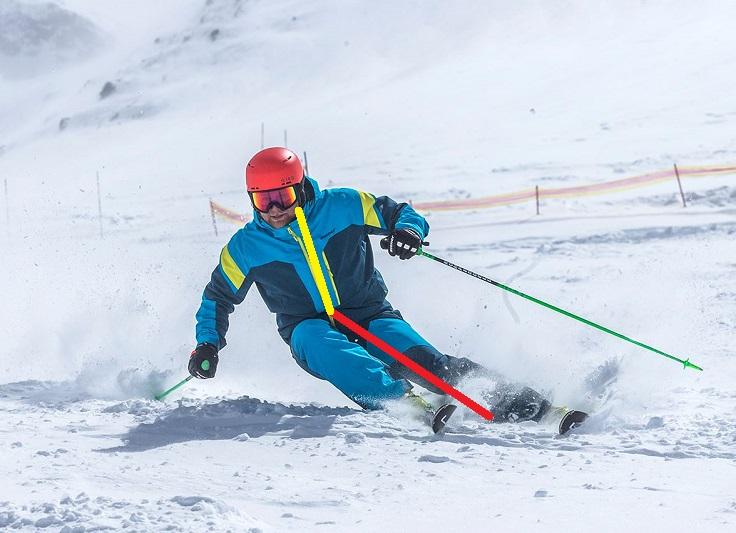 Skiër op de piste