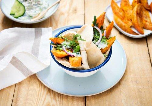 Pita met zoete aardappel en tzatziki