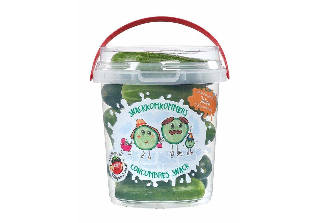 Mini komkommer in emmer