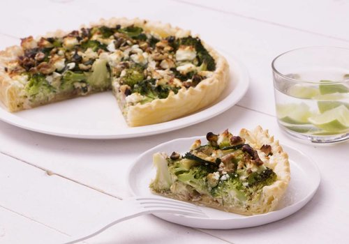 Groentequiche met broccoli, walnoot en feta